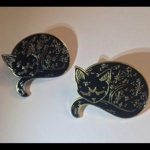 Sleeping Stars Cat black enamel metal Luna pin NiB